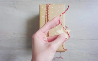 Easy Peasy Christmas Star Gift Wrap Idea