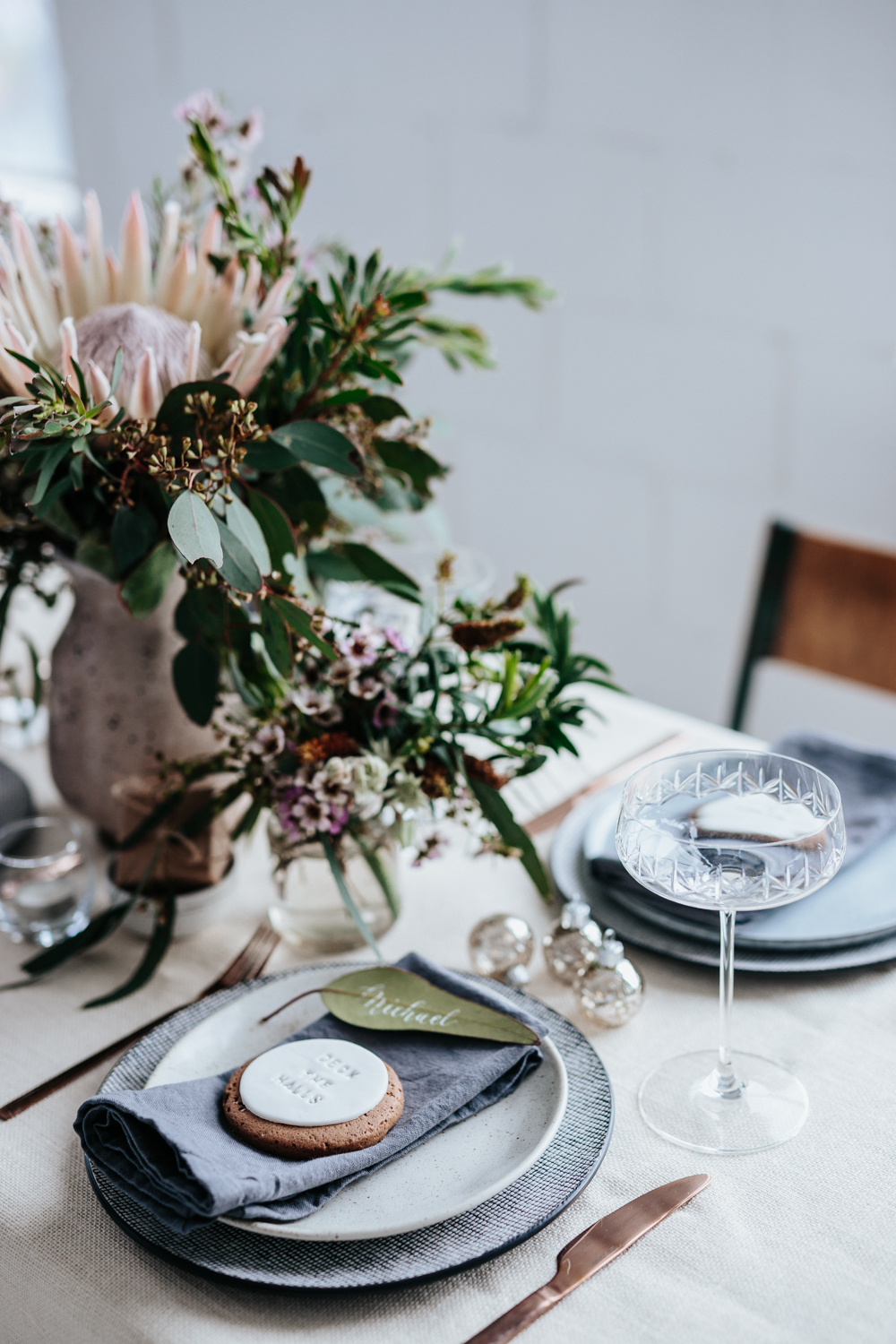 Christmas-australiana-table-setting